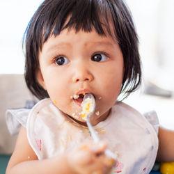 離乳食完了期の卵白はどう進める?レシピやアレンジ方法