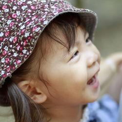 2歳の子どもができる外遊び。公園やアウトドアなどで喜ぶ遊びの種類