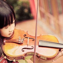 子どもの習い事でメリットも多いバイオリン。始める時期や教室の選び方について