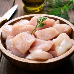 離乳食後期の鶏肉の進め方は?ひき肉を使ったレシピや手づかみしやすい工夫