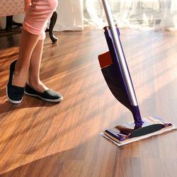 フローリングの簡単な掃除方法。楽にできるちょっとしたコツや裏ワザについて