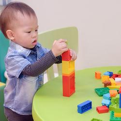 2歳男の子におすすめのプレゼント。500〜1000円、2000円から5000円、など予算別の選び方