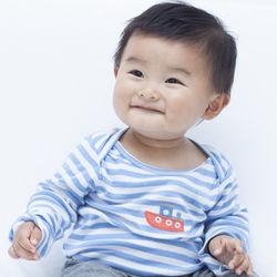 生後9カ月の赤ちゃんが夜寝ないときはどうする?夜中の授乳や日中のすごし方について