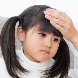 【小児科医監修】ヘルパンギーナは保育園、幼稚園にいつから登園可能?感染予防対応は
