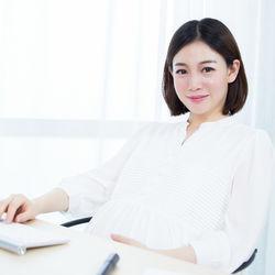 妊娠5カ月、6カ月、7カ月など中期の頃の仕事。周囲への報告や職場での過ごし方
