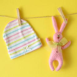 生後1、2ヶ月から3ヶ月の赤ちゃんに帽子は必要?サイズ、夏や冬など季節ごとの選び方