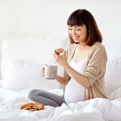 【体験談】妊娠中の味覚変化はいつから?甘い、辛いものが食べたいなどの対策