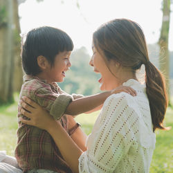 夏休みを充実させる親子の遊びは?子どもと楽しみたい外遊びや室内遊び