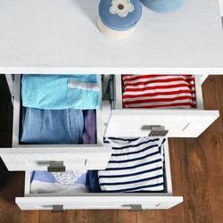 衣替えをしない服や衣類の収納方法。クローゼットなどの収納の工夫や役立つグッズ