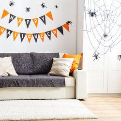 ハロウィンに家をデコレーションしよう。手作りした飾りや簡単に飾り付けするコツ