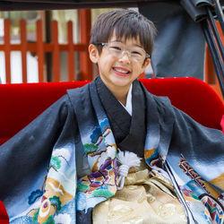 3歳の男の子の七五三。写真撮影の準備や着物などの服装、袴の衣装の着付けについて