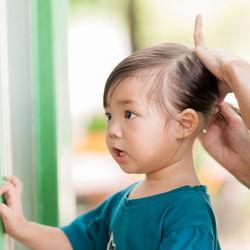 幼稚園での髪型。女の子と男の子の簡単アレンジ、帽子をかぶるときも崩れない工夫