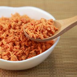 離乳食に鮭フレークは使える?取り入れ方と離乳食レシピ、フレークの作り方