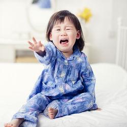 【体験談】イヤイヤ期の子どもの夜泣き。癇癪を起こしたときの対応方法などを調査