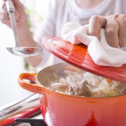 鍋を使って20分以内で作れる時短レシピ。時短できる鍋の種類や時短のコツ