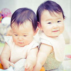 双子の名前の考え方について。ママたちが気をつけたポイントや実際につけた名前など