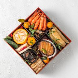 おせち料理の歴史や由来、重箱に詰めるのはなぜ?子どもと楽しむおせち料理