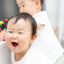 双子の子育てで大変な時期について。大変と感じるシーンや乗り越えるための工夫