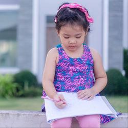 年長の子どもが楽しめる勉強方法。ドリルを使うなど教え方の工夫や勉強時間