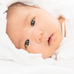 赤ちゃんを名付けるときは相談する?ママたちにきく、メリットやポイント