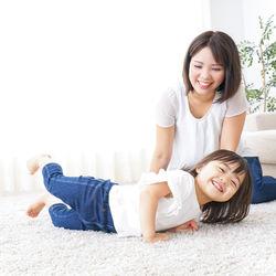 子どもと2人でできる面白い遊び。室内や屋外で楽しめる遊びや道具がなくてもできる遊び