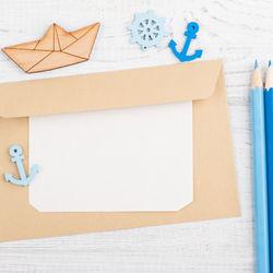 幼稚園の先生へ贈るメッセージカードの作り方や例文。表紙や写真選びのアイデア