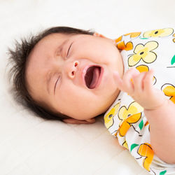 【体験談】生後3ヶ月の赤ちゃんがぐずるとき。ギャン泣きの原因や時間帯別の対策