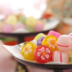 ひな祭りに飾るお菓子。お取り寄せ和菓子や簡単なひな祭りスイーツの作り方