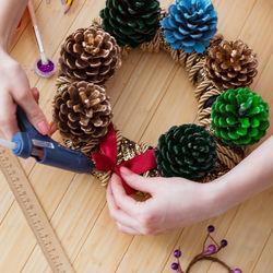 クリスマスに楽しめる切り絵。簡単で可愛い作り方やポイント
