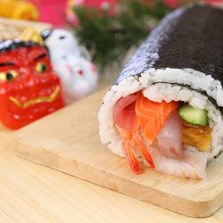 節分に巻き寿司を用意しよう。簡単レシピやなぜ食べるのかなどの由来