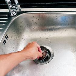 排水口の掃除方法や手順。キッチン、お風呂、洗面所、洗濯機など