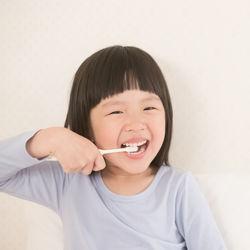 2歳の歯磨きのやり方。時間帯や回数と嫌がってできないときの工夫