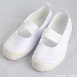 幼児の上履き選び。幅広などサイズ選び方のポイントや洗い方など