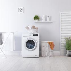 洗濯の時短方法。便利な時短グッズやハンガーで干すときのコツ