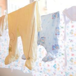 洗濯物のしわが取れないとき。スプレーや干し方でしわを伸ばす方法