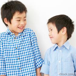 兄弟コーディネートの楽しみ方。洋服選びやリンクコーデのアイデア