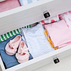 衣替えの仕方とは。始める前に準備したことや衣類の収納方法など