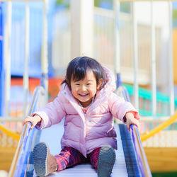 公園遊びを楽しもう。利用した遊具やママたちが用意した遊び道具