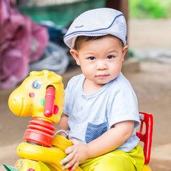 幼児の三輪車の乗り方は?手押し式やガードつきなどの選び方など