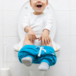 トイレトレーニングの進め方。1歳・2歳・3歳の年齢別のコツとは