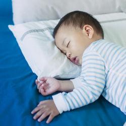 2歳半の子どもの睡眠時間は?睡眠スケジュールの工夫など