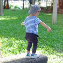 幼児にぴったりの帽子を用意しよう。春夏秋冬のポイントや手作り方法