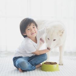 共働き家庭でもペットを飼いたいとき。犬や猫などを飼うコツとは