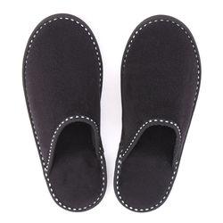 入園式や卒園式で使うパパの上履き。選び方やマナーについて