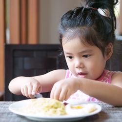 5歳の子どもと外食を楽しもう!食事マナー守るための工夫や伝えるコツ