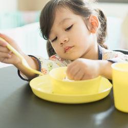 3歳の子どもがご飯を食べないときの対処法とは。ママたちの工夫を紹介