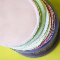 布製母乳パッドについて。選ぶときのポイントや使い方とは