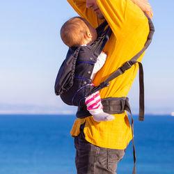 パパの抱っこ紐。使う場面や気を付けることなどをご紹介