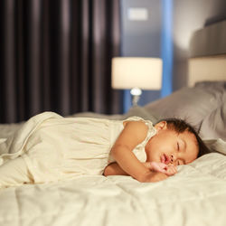 夜間断乳のやり方とコツ。夜間断乳できてよかったこととは