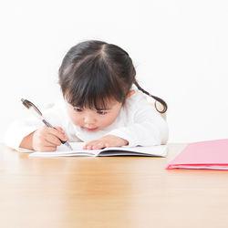 年少の子どもの勉強方法。楽しく継続するためのコツとは